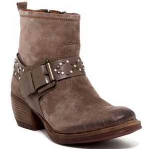 Josef Seibel Toni Boots Suede Leather Buckles
